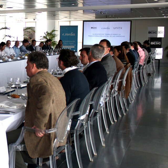 Cerca de 25 empresas aragonesas se reúnen para hablar de transformación digital en Zaragoza