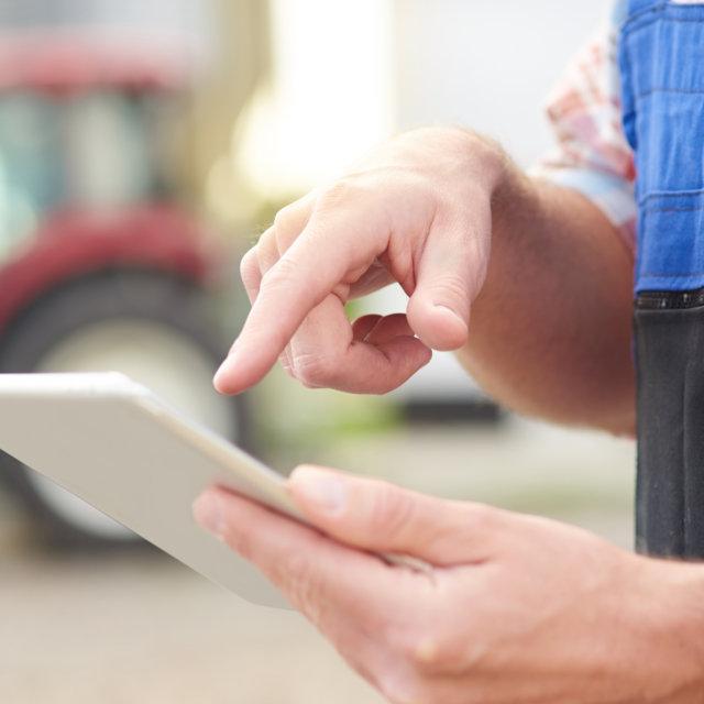 Digitalización del sector agrícola: ¿cómo lo hacen los fabricantes de maquinaria?
