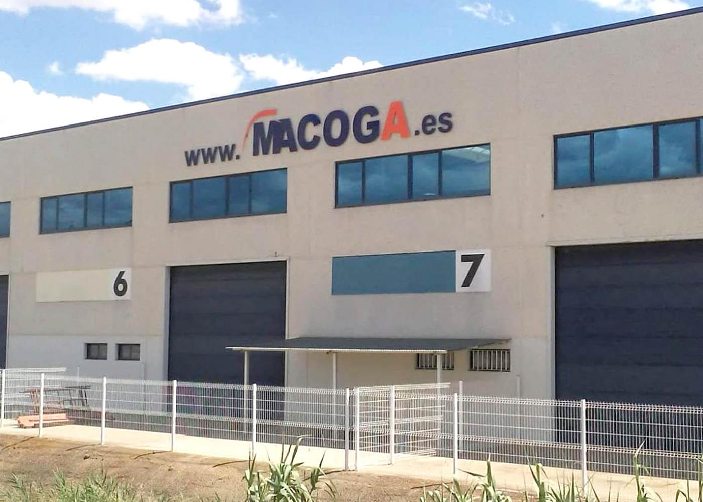 Foto: magoca.es - Macoga amplía sus instalaciones con un nuevo centro logístico para dar respuesta a la demanda del ganadero de porcino